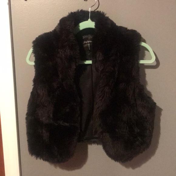 Daisy Fuentes Jackets & Blazers - Black Faux Fur Mini Vest